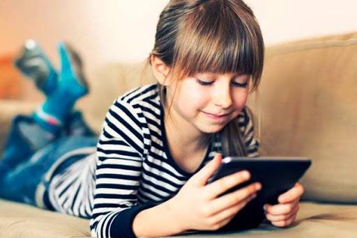 Діти в інтернеті: як уберегти ваших малюків від небезпек в Мережі