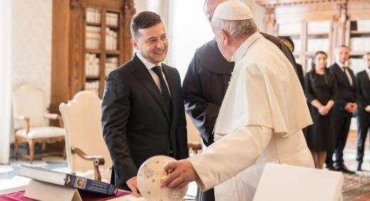 Зеленський зустрівся з Папою у Ватикані: про що говорили