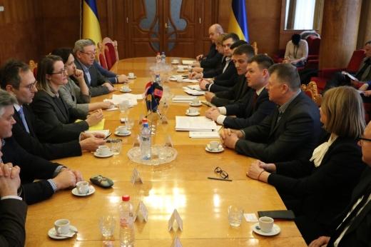 Представники Закарпатської ОДА зустрілися з австрійським дипломатом