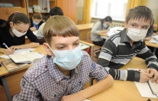 У школах Мукачева учнів із ознаками ГРВІ не допускатимуть до уроків