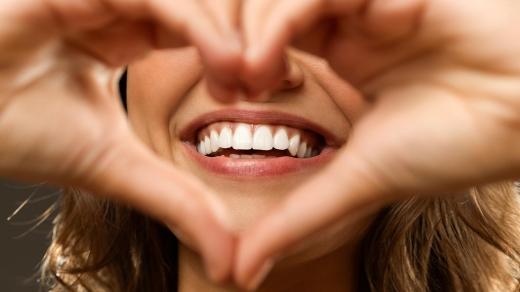 Кожна людина мріє про здорову та гарну усмішку