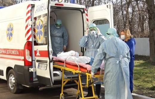 Піднялася температура: із підозрою на коронавірус госпіталізували мешканця Закарпаття
