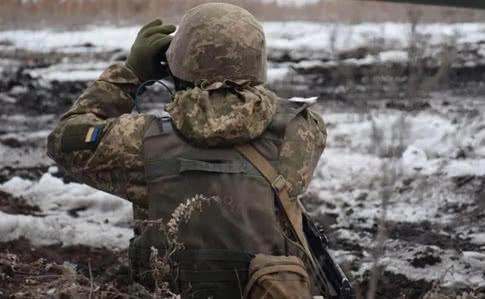 Обстріли на Донбасі: 2 військових поранені, 3 отримали бойове ураження