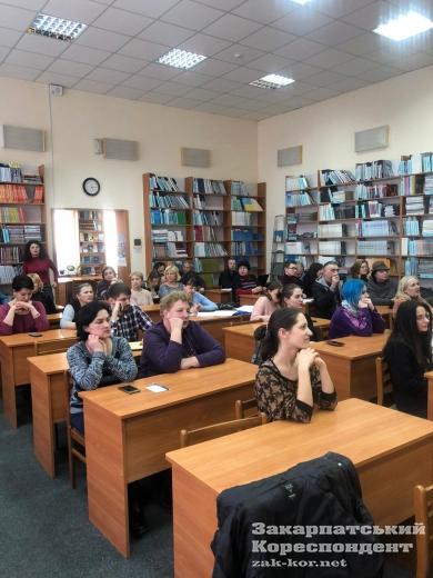 """""""Втілити спонтанне, уявне"""": цікавий воркшоп відбувся в Ужгороді"""