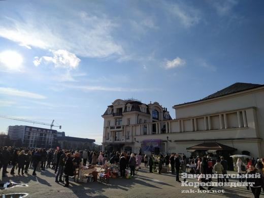 Святковий весняний настрій у центрі Ужгорода (фотофакт)