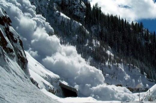 Рятувальники попереджають про лавини на високогір'ї Закарпаття