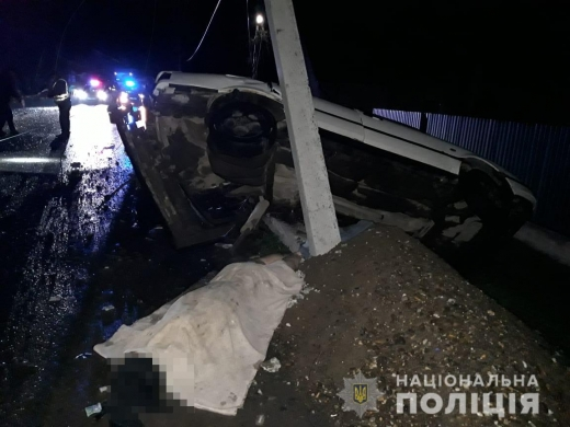 На Виноградівщині внаслідок автотрощі одна людина загинула та шість отримали політравми