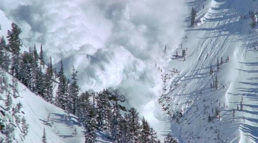 Рятувальники попереджають про лавинну небезпеку на Закарпатті