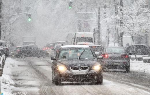 Засипле снігом і заморозить: в Україну повертається зима