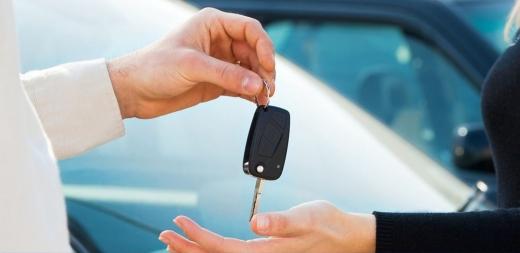 Українців під час карантину позбавили права купувати вживані автівки