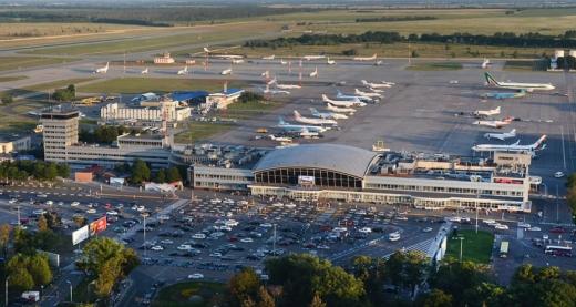 В Україні завтра закривають всі аеропорти, окрім одного