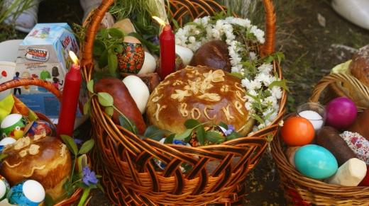 Великдень вдома: Зеленський розповів, як українці святитимуть паску під час карантину