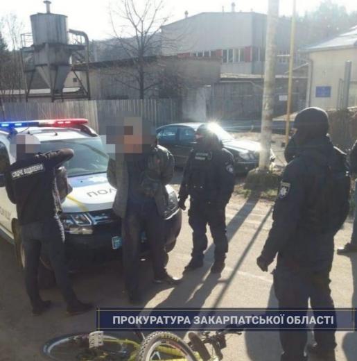 Наркоторгівцю, якого затримали в Ужгороді, погоджено підозру