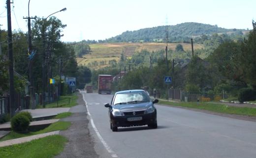 На Ужоцькому та Торунському перевалах призупинять рух автотранспорту