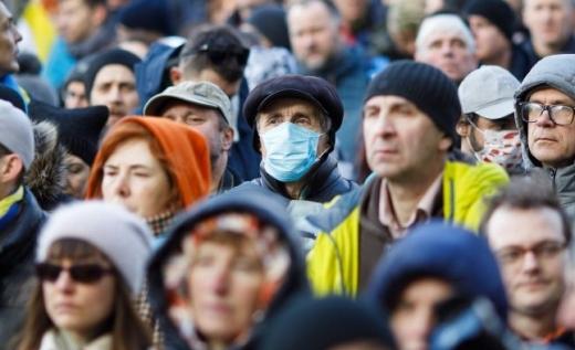 Якого віку українці найбільше хворіють на коронавірус: дані МОЗ