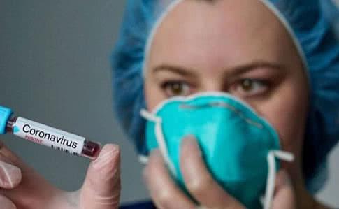 На Закарпатті на коронавірус захворів перший лікар