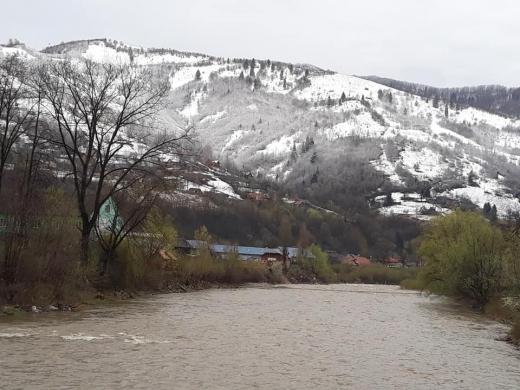 На Рахівщині зима зустрічає весну (фотофакт)