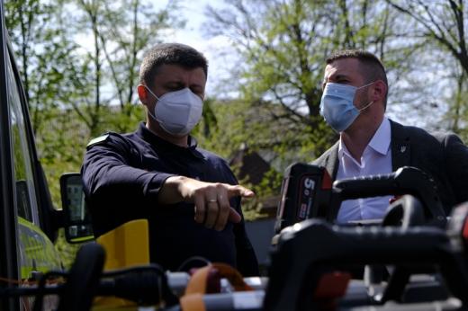 Закарпатським рятувальникам передали екіпірування для протидії СОVID-19