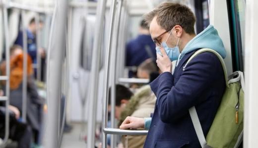 МЗС повідомило скільки українців хворіють на COVID-19 за кордоном