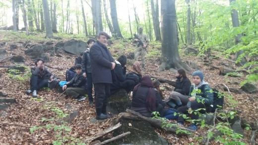 У лісах Закарпаття знову виявили велику групу нелегалів