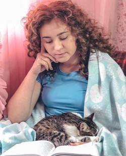 Закарпатська книжкова блогерка – про читання на карантині та способи боротьби з тривогою