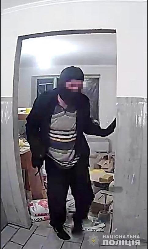 В Мукачеві оперативно затримали квартирного злодія