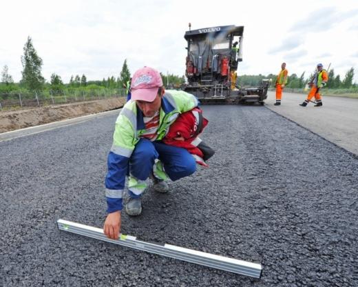 """""""Велике будівництво"""": уряд шукає дорожників без досвіду та пропонує навчання"""