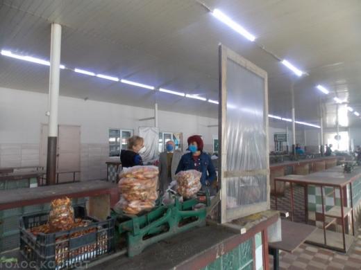 В одному із закарпатських міст уже запрацював продовольчий ринок