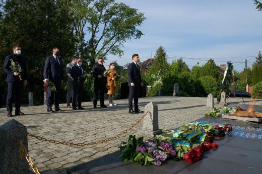 Президент анонсував встановлення на Закарпатті меморіалу Дзвін перемоги