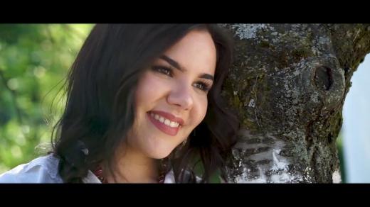 Закарпатська співачка презентувала музичний кліп до Дня матері (відео)