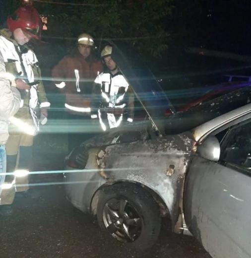 Уночі в обласному центрі згоріла автівка