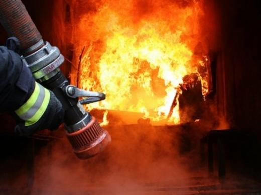 Протягом доби на Закарпатті виникло кілька пожеж: горіли автівка і квартира