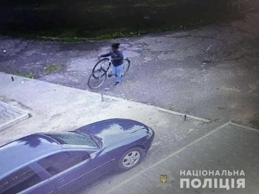 Вкрала і перепродала: в Мукачеві оперативно затримали крадійку