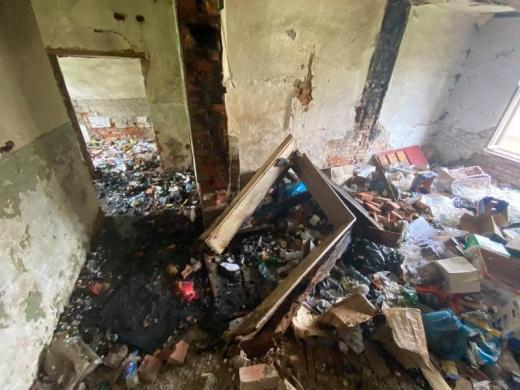 Пожежа сталася в безгосподарській будівлі на Закарпатті