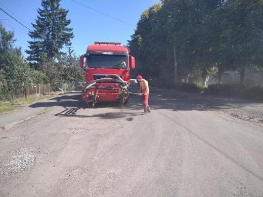 На Закарпатті активно ведуться ремонти доріг