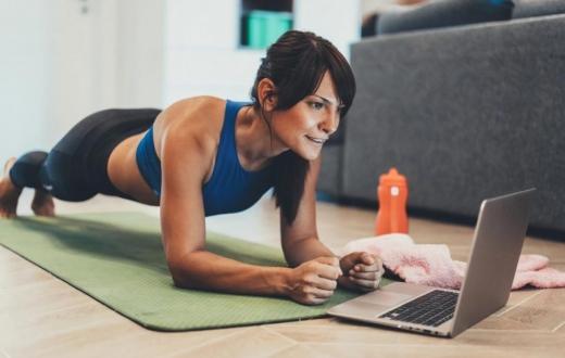 Прості вправи вдома для новачків: 10 причин, чому ви почнете займатись