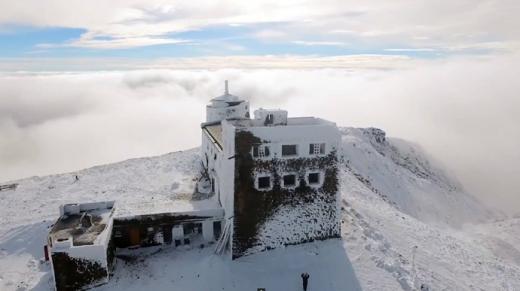 У Карпатах напередодні літа випало до 15 см снігу