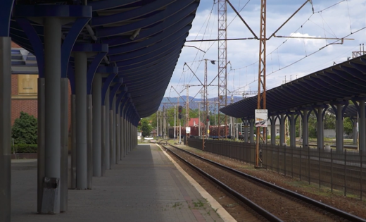 На Закарпатті відновили роботу три приміські електрички, а ціна на потяг до Києва щодня змінюється