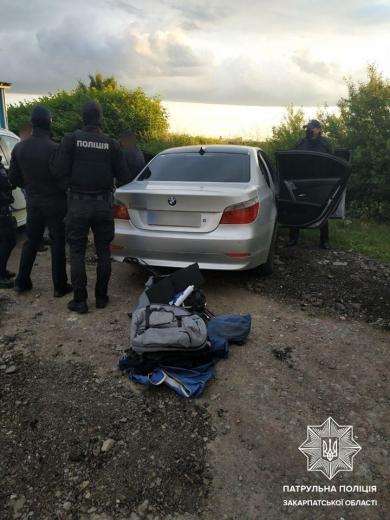 На Закарпатті затримали водія, що вирішував конфлікт за допомогою зброї