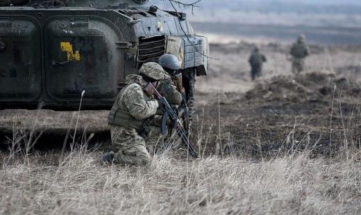 Бойовики 12 разів порушили режим «тиші» на Донбасі: поранені двоє військових — штаб