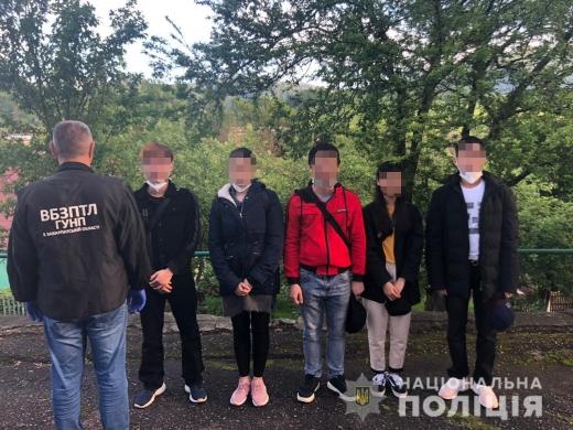 На Закарпатті виявили групу іноземців, які незаконно перебували на території України