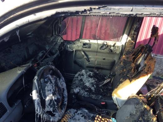 На Виноградівщині згоріла автівка