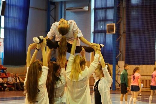 Молоді ужгородські спортсмени долучились до естафети з нагоди Олімпійського дня (ФОТО)