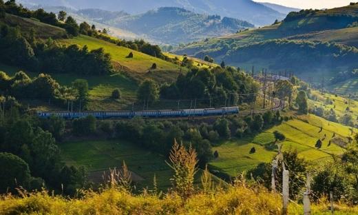 Потяги з Харкова і Запоріжжя відтепер матимуть зупинку у Воловці
