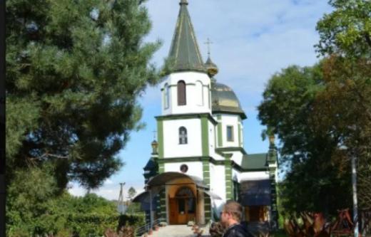 Через хворого на коронавірус священника на Закарпатті закрили один із храмів
