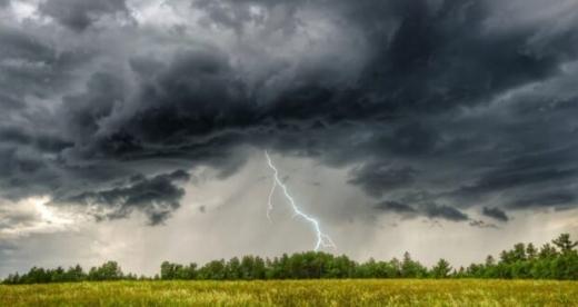 Погода 26 червня: у Карпатському регіоні знову грози і шквальний вітер