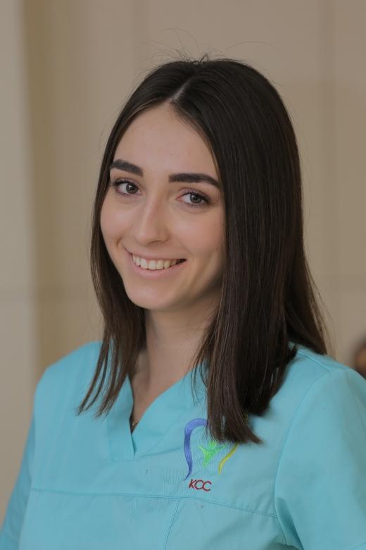 Відбілювання зубів в Ужгороді: як зробити вашу усмішку бездоганно білосніжною