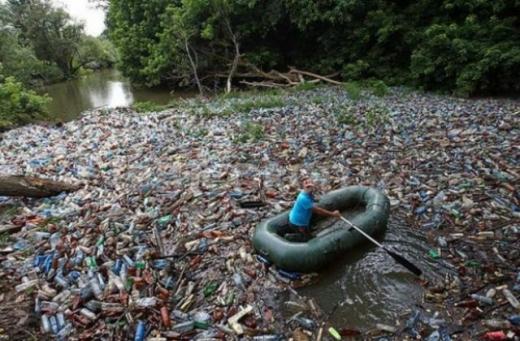 Угорщина захлинається в карпатському смітті: Янош Адер поскаржився Зеленському