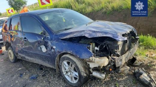 Автомобіль виявили у кюветі: розшукують очевидців ДТП, що сталася на трасі Мукачево - Рогатин