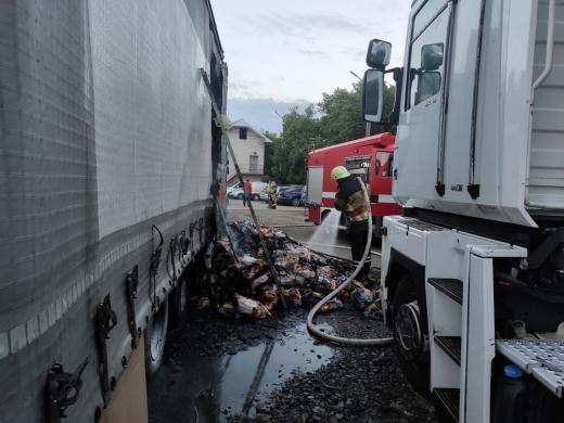 Вантажний автомобіль загорівся в Ужгороді: причина